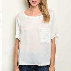 White short sleeve scoop neck pocket tunic top